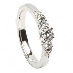 Vintage Platinum 3.08ctw Round Brilliant & Baguette Diamond Circle Wreath Brooch Elegant In Smell Fine Jewelry
