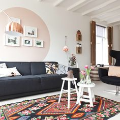 create a pink circle with paint on the wall in the living room by bianca_hinte Sofa Bed Living Spaces, Home Living Room, Living Room Decor, Sofa Bed Design, Interior Decorating, Interior Design, Interior Inspiration, Wall Decor, House Design