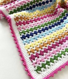 #baybblanket #blanket #koltuksali #orenbayanlar #ormeyiseviyorum #nebulursamoruyorum #handmade #pinterest #crochetblanket #crocheting… Crotchet Blanket Patterns, Baby Knitting Patterns, Crochet Stitches, Plaid Crochet, Crochet Baby, Manta Crochet, Knitted Baby Blankets, Crochet Videos, Creative Crafts
