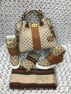 The Very Popular Gucci Handbags - BagBagg Gucci Handbags, Louis Vuitton Handbags, Fashion Handbags, Purses And Handbags, Fashion Bags, Gucci Purses, Sneakers Mode, Sneakers Fashion, Fashion Shoes