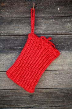 Back to school! Vegan Crocheted Tablet Sleeve in Fire Engine by Geminivintagestore, $25.00 #backtoschool #veganaccessories #veganfashion #tabletcozy