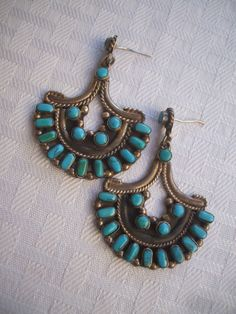 Vintage TAXCO MEXICO Sterling Silver & TURQUOISE Petit Point Cluster EARRINGS