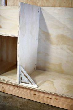 Diy Garage Storage Cabinets, Garage Organisation, Built In Cabinets, Storage Organization, Storage Ideas, Kitchen Cabinets, Woodworking Techniques, Woodworking Shop, Workbench Plans Diy