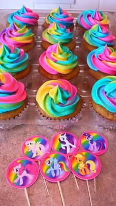 Tye Dye frosting- Rainbow- My Little Pony Birthday party- Strawberry Vanilla Cupcakes Más