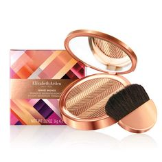 This silky bronzing powder, diffused with golden shimmer, imparts skin with a reflective, sun-kissed glow. The compact houses a prismatic combination of bronzing and highlighting shades formulated with skin-perfecting ingredients to help minimize the look of fine lines and wrinkles. It comes complete with a half-moon brush for easy on-the-go application.<br><br…