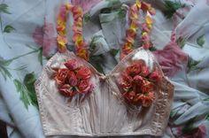 Satin y rosas