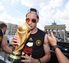 Julian Draxler Photos: Germany Victory Celebration