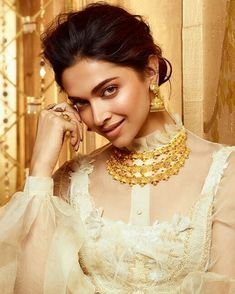Deepika Padukone hot sexy unseen latest cute images and body show navel pics with big cleavage and bikini photos Deepika Padukone Latest, Deepika Padukone Style, Bollywood Bikini, Bollywood Actress, Indian Film Actress, Indian Actresses, Diwali 2018, Dipika Padukone, Vogue