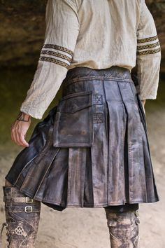 Versatta Series Marauder Leather Kilt in Antique Brown Leather Kilt, Leather Apron, Steampunk, Kilt Belt, Utility Kilt, Men In Kilts, Everyday Look, Mini Skirts, Fashion Outfits