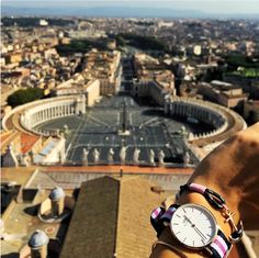 Greetings from @ele_bon and sunny Vatican City. Use #tomhope for the chance to get your photos featured and visit link in bio to find the brand new Rose Gold bracelet.