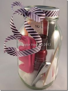 Pedicure in a Jar Gift Set . gifts, girls night, party favors etc! Homemade Bridesmaids Gifts, Bridesmaid Gifts, Kunst Party, Party Favors, Holiday Gifts, Christmas Gifts, Holiday Ideas, Party Nails, Homemade Gifts