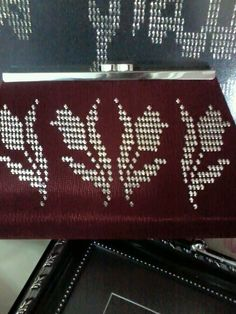 Hand Embroidery, Embroidery Designs, Weaving Patterns, Diy And Crafts, Coin Purse, Cross Stitch, Wallet, Sewing, Handmade