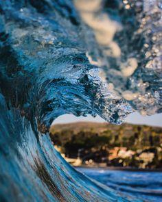 """The only kind of Monday Blues I like @surflinelocalpro #barrelsforbreakfast"""