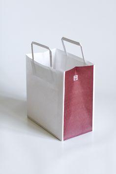 冨来郁 手提袋 – Masahiro Minami Design Organic Supermarket, Paper Bag Design, Timber Table, Paper Packaging, Paper Bags, Women Brands, Retail Design, Package Design, Logo Branding