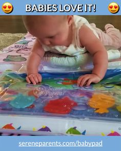 BABY PAD ™ – INFLATABLE BABY WATER MAT Let your Baby Swim in a colorful sea world right in the middle of your living room! If you are looking for a fun, stimulating and entertaining tummy time play mat that will help strengthen your baby's legs and arms Infant Activities, Activities For Kids, 4 Month Old Baby Activities, Activities For Babies Under One, Bebe Video, Diy Pour Enfants, Baby Tummy Time, Baby Lernen, Water Mat