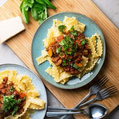 This flavour-packed lentil bolognese with pesto is the perfect recipe for anyone looking for a vegetarian spaghetti bolognese.
