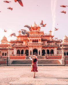 A Local's Guide To Best Instagrammable Spots In Jaipur - Travel With CG Places To Travel, Travel Destinations, Places To Visit, Jaipur Travel, Travel Pose, India Travel Guide, India Tour, China Travel, Solo Travel