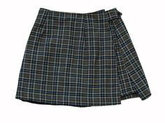 Skorts 巻きスカート流行ったな。 中が、キュロット、キロット。忘れた言い方