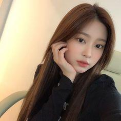 Kpop Girl Groups, Kpop Girls, Eyes On Me, Ulzzang Makeup, Forever Girl, Haircuts For Long Hair, Girl Reading, Kim Min, The Wiz