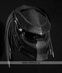I seriously need this motorcycle helmet. This would be wayyy better than my boring matte black one!