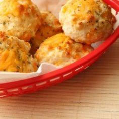 Easy Garlic Cheddar Biscuits ~~ Skinnytaste