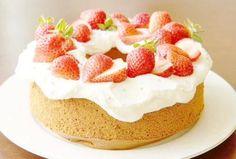 딸기 스펀지 생크림 케이크 디저트