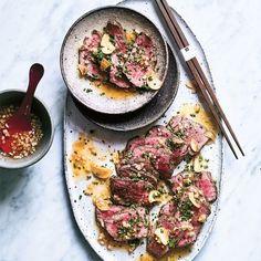 My Asian Kitchen: toegankelijk kookboek - I Love Food & Wine I Love Food, Good Food, Yummy Food, Wine Recipes, Asian Recipes, Beef Tataki, Healthy Cooking, Healthy Recipes, Crockpot Recipes