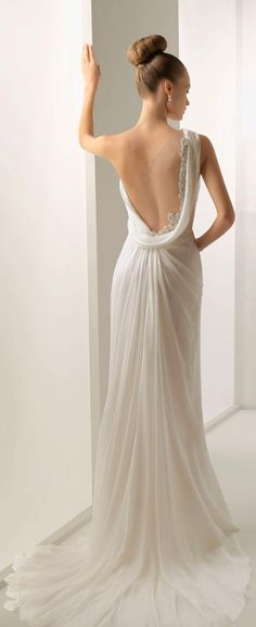 This is said to be a wedding dress. I would absolutely wear this, but not as a wedding dress. Romantic Wedding Dresses This dress! Bridal Gowns, Wedding Gowns, Bridal Lace, Backless Wedding, Grecian Wedding, White Bridal, Mermaid Wedding, Elegant Wedding, Wedding Bride