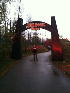 My Friend Built A 16 Ft Tall Jurassic Park Gate For His Halloween Party It Was Epic