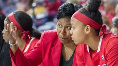 Assistant coach E.C. Hill has been selected to receive the 2015 Women's Blue-Chip Basketball League Trailblazer Award, the organization announced on Wednesday.