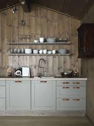 ikea kjøkken på hytte – Google Søk Cozy Kitchen, New Kitchen, Kitchen Dining, Kitchen Cabinets, Compact Kitchen, Kitchen Wood, Kitchen Modern, Wood Cabinets, Green Cabinets