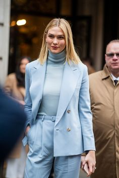 NYFW: Best street style looks from New York Fashion Week F/W 2019 <br> While everyone is focused on the models coming down the runway during NYFW, some of the hottest looks of the season can be found on the street. New York Street Style, Best Street Style, Looks Street Style, New York Style, Ralph Lauren, Mode Monochrome, Style Invierno, New Fashion, Autumn Fashion