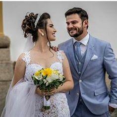 "8e7aa5127a Patrícia Noivas   Festas on Instagram  ""Lindos! Jerusa e Marcell! Foto    bennetfotografo  noiva  centraldanoiva  casamentos  vestido  vestidos ..."