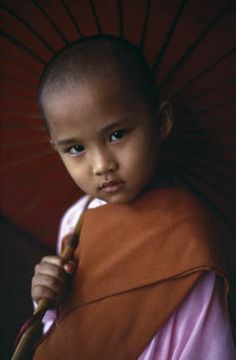 Young monk © Steve McCurry