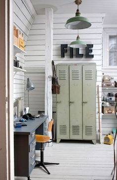 These industrial living room design ideas are going to be the next best idea when it comes to changing your living room! Industrial Living, Industrial Interiors, Industrial Chic, Industrial Office, Vintage Industrial, Industrial Design, Industrial Lockers, Metal Lockers, Vintage Lockers