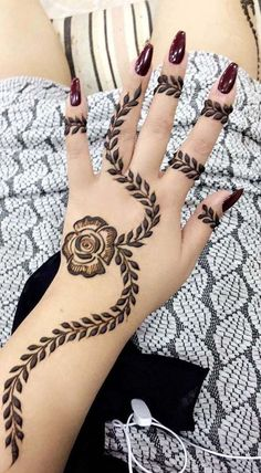 Mehndi henna designs are always searchable by Pakistani women and girls. Women, girls and also kids apply henna on their hands, feet and also on neck to look more gorgeous and traditional. Latest Arabic Mehndi Designs, Mehndi Designs For Girls, Mehndi Designs For Beginners, Modern Mehndi Designs, Mehndi Design Pictures, Dulhan Mehndi Designs, Beautiful Mehndi Design, Latest Mehndi Designs, Finger Henna Designs