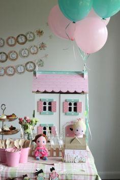 Una adorable fiesta de cumpleaños de muñecas | Blog de BabyCenter