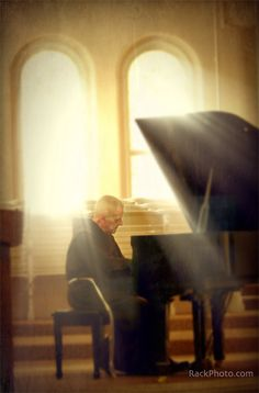 Ron Rack took this photo at St. Anthony Shrine in Cincinnati. The Franciscan friar was actually playing a jazz piece. I Am A Singer, Thelonious Monk, Baby Grand Pianos, Jazz Musicians, Original Music, Dance Music, Music Is Life, Senior Pictures, Cincinnati