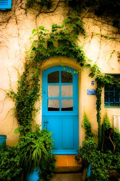 The blue door  - Ramatuelle -Fr.