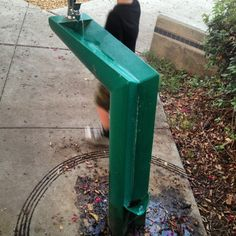 Funny pictures about Clever Drinking Fountain. Oh, and cool pics about Clever Drinking Fountain. Also, Clever Drinking Fountain photos. Drinking Fountain, Funny Today, Great Inventions, Little Designs, Cool Stuff, Random Pictures, Funny Pictures, Funny Pics, Fail Pictures