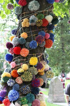 Pom Pom Yarn Bomb... we learnt all about yarn bombing and off loom weaving at an inspirational CSM workshop .