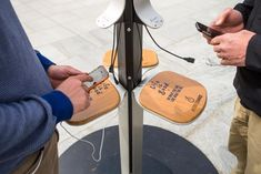 Cómo innovar en la hostelería utilizando cargadores de móviles