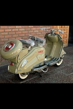 """Vintage Motorcycles 645351821575102068 - doyoulikevintage: """"Lambretta """" Source by jeanyvesdominic Moto Vespa, Scooters Vespa, Lambretta Scooter, Scooter Motorcycle, Motor Scooters, Motorcycle Design, Motorcycle Style, Vintage Motorcycles, Custom Motorcycles"""