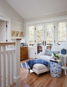 20 Craftsman Style Family Room Designs and Ideas - Craftsman interior design - unique crafts Craftsman Living Rooms, Craftsman Decor, Craftsman Interior, Modern Craftsman, Craftsman Style Homes, Home Living Room, Living Room Designs, Craftsman Houses, American Craftsman