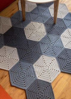 Discover More Uncommon Scandinavian Living Rooms Rug Ideas 32 Amazing Scandinavian Living Rooms Rug Inspirations The Scandinavian Rug is one of the most popular types of furniture that you. Crochet Rug Patterns, Crochet Quilt, Crochet Motif, Crochet Doilies, Crochet Yarn, Crochet Stitches, Afghan Patterns, Crochet Squares, Knit Rug