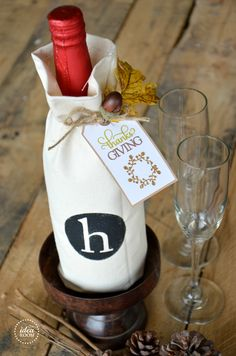 Thanksgiving-hostess-gift-Wine bottle Gift bag and printable|theidearoom.net