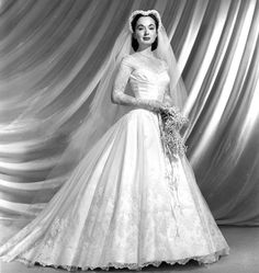 1953 ~ Ann Blyth in her wedding dress, June Born in Ann Marie Blyth is an American actress and singer, often cast in Hollywood musicals, but also successful in dramatic roles Wedding Attire, Wedding Bride, Wedding Gowns, 1950 Wedding Dress, Wedding Shot, Vintage Wedding Photos, Vintage Bridal, Vintage Weddings, Country Weddings