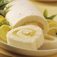 Moist Lemon Angel Cake Roll Recipe- Recipes Tart and delicious, this pretty cake roll will tickle any lemon lover's fancy. Its feathery, angel food texture enhances its guilt-free goodness. Cake Roll Recipes, Dessert Recipes, Food Texture, Angel Cake, Angel Food Cake, Rolls Recipe, Recipe 4, Lemon Recipes, Just Desserts
