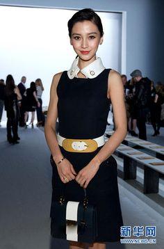 中国女星征战巴黎时装周 品味PK谁将惊艳秀场 - 新华网移动版
