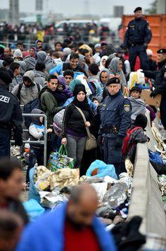 Europe migrant crisis - Migrant crisis - Pictures - CBS News